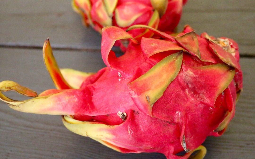 Red Dragonfruit Smoothie (Vegan, Gluten-Free)