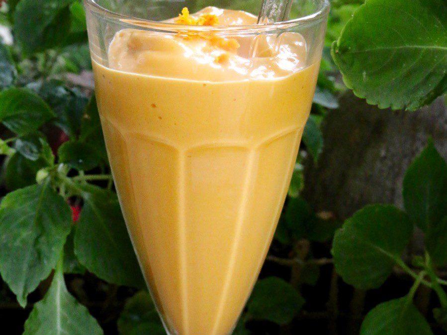 Turmeric Mango Carrot Smoothie (Vegan, Gluten-Free)