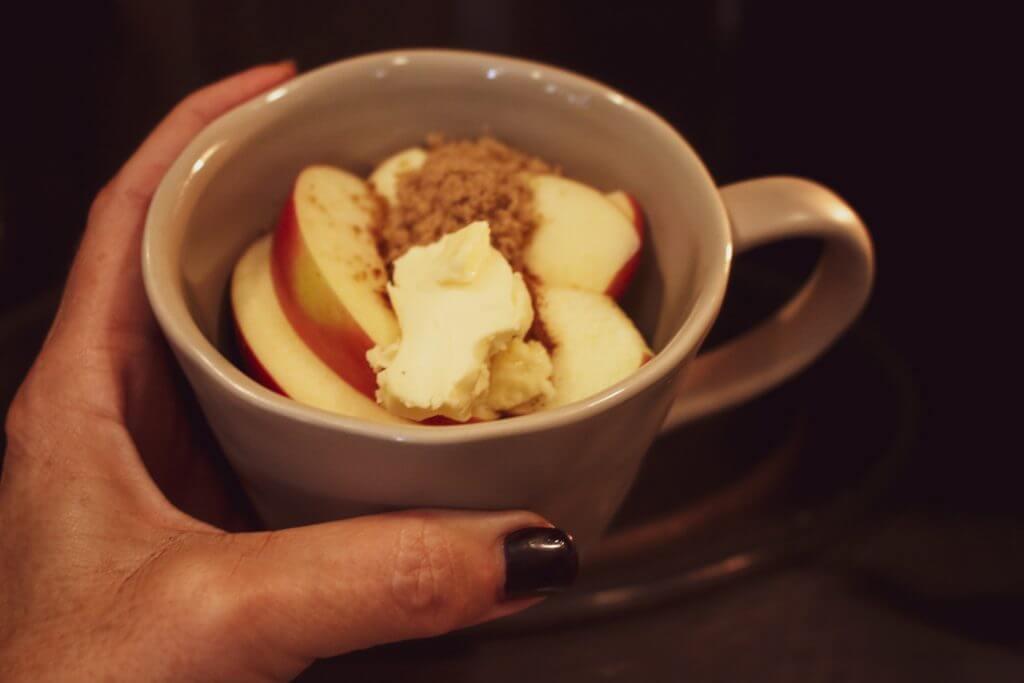 Vegan Caramel Apple Microwave Mug