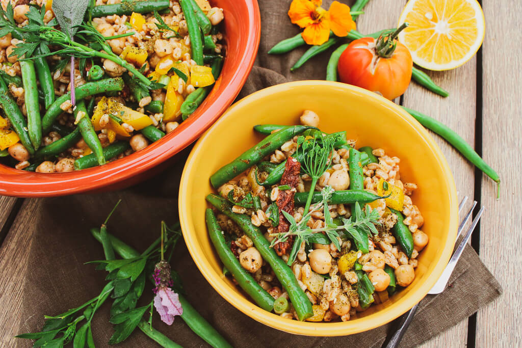 green bean chickpea farro salad