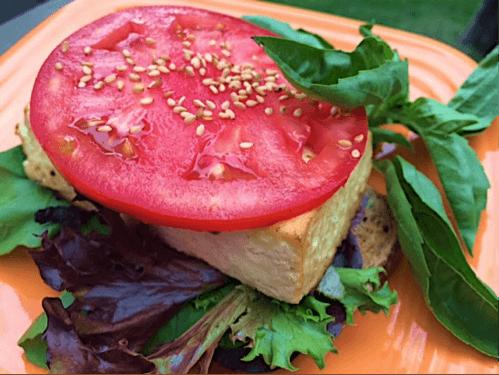 Sriracha Sesame Breakfast Tofu Sandwich (Vegan)