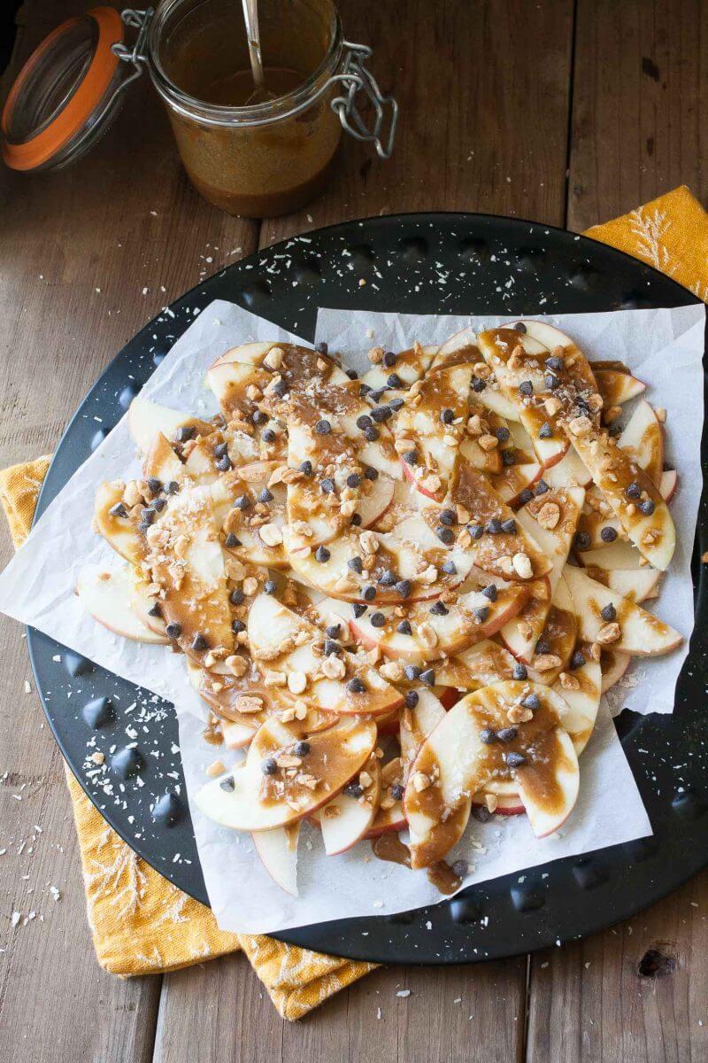 vegan-pumpkin-caramel-apple-nachos-peanuts-chocolate-8