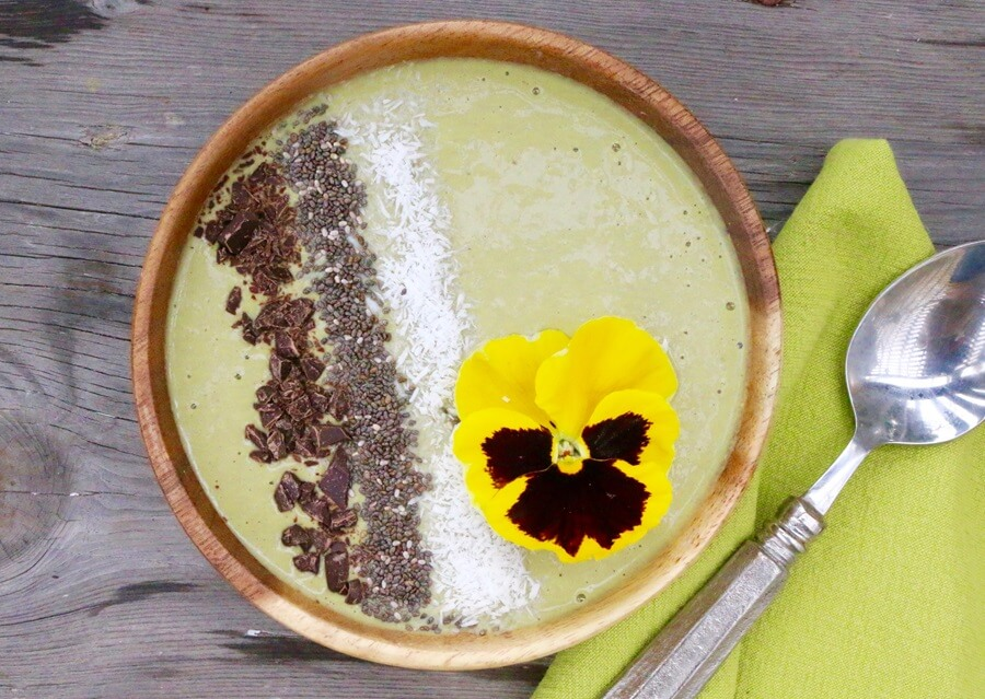 Matcha Tea Smoothie Bowl (Vegan, Gluten-Free)