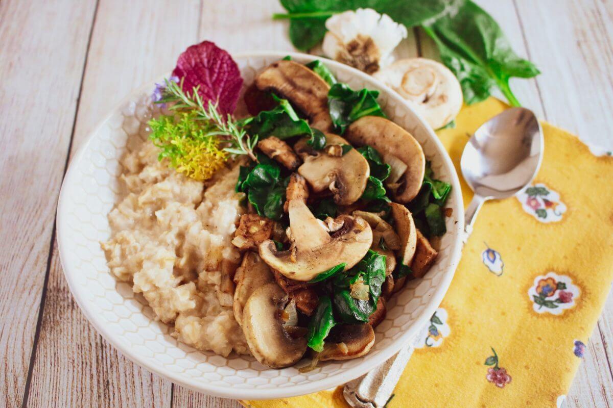 florentine oatmeal bowl
